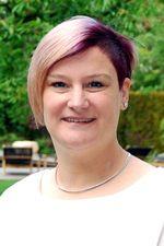 Portraitfoto Tanja Fuchsbauer Backoffice