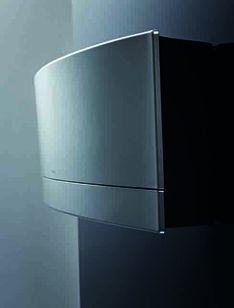 Stylische Klimaanlage an der Wand