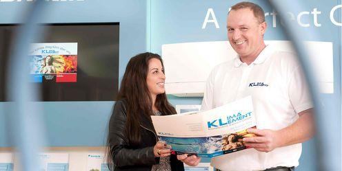 Kundengespraech mit Firmenchef Juergen Klement